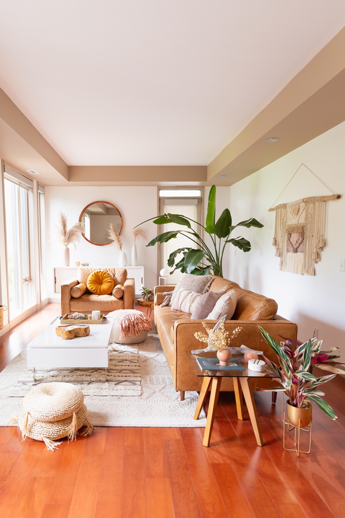 How to Transition Your Decor Into Fall   Easy and inexpensive fall decorating ideas   JustineCelina's Inner City Calgary bohemian, mid-century modern apartment   A Bohemian, Mid-Century Modern Living Room featuring Pampas Grass and a Mature Bird of Paradise Plant   Fall Decor 2019 Trends   Bohemian, Mid Century Modern Fall Decor   Pantone Fall Winter 2019 / 2020 Interior Design Trends   Fall Decorating DIY   Calgary Lifestyle, Interior Design and Home Decor Blogger // JustineCelina.com