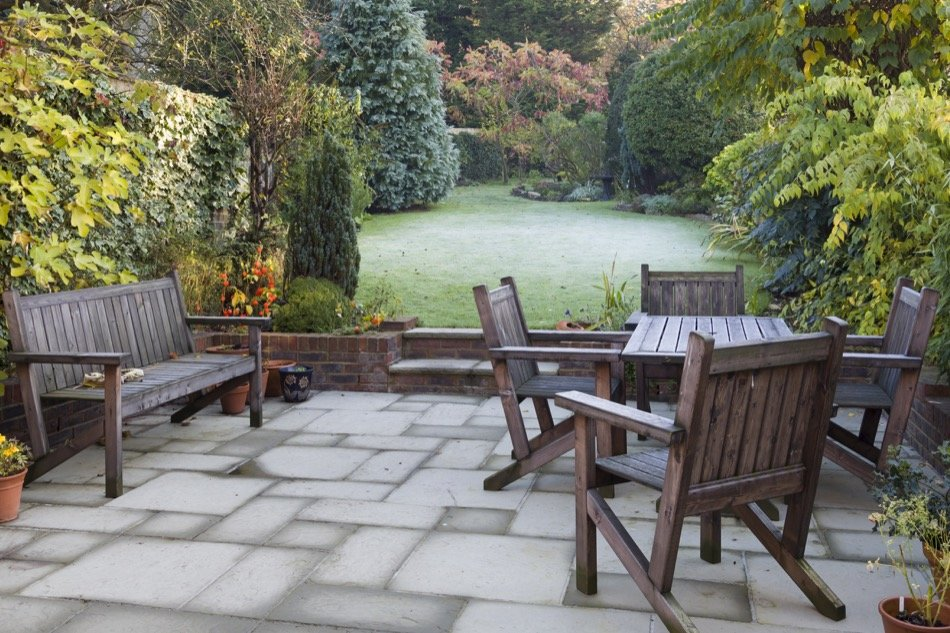 4 Backyard Design Options For Homeowners