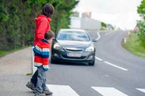 Peatones Atropellados por un Auto mientras Visitan Florida Podrían Presentar una Demanda