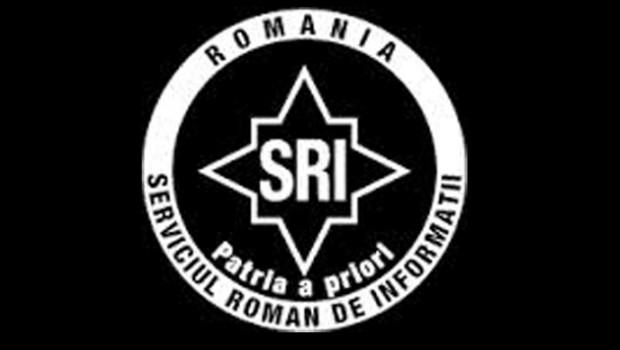 """<p><strong><em>Relaţia dintre Ministerul de Interne al  Germaniei, S.R.I. şi... P.N.L.</em></strong><strong> </strong></p><br /> <p>Prima intervenţie directă a Germaniei în politica românească şi totodată amestec în treburile interne ale României a fost realizată în anul 2000, când Otto Schily, ministrul de Interne al Germaniei la vremea respectivă a vizitat Sibiul, chiar la prima candidatură a lui Klaus Werner Iohannis. Aceeaşi vizită a ministrului de interne german s-a repetat şi cu două săptămâni  înainte de alegerile din anul 2004, scopul fiind asigurarea că tot Klaus Werner Iohannis va fi """"ales"""" primar.  La vizita din anul 2000 Schily a avut o întrevedere secretă cu colonelul Nechifor Ignat, şeful S.R.I. Sibiu.<strong> </strong>Urmarea?<br />"""