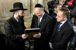 base evrei