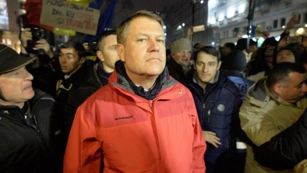 Imagini pentru KLAUS WERNER IOHANNIS,PROTESTE,POZE
