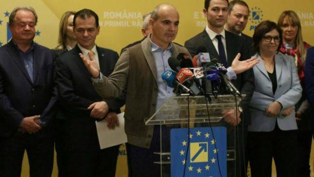 Rareș Bogdan în primul rînd După cum știm, nici […]