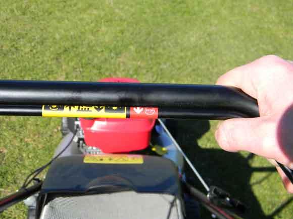 Honda Izy - deadman's handle engaged