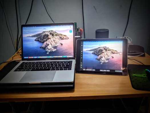 Sidecar demo on both MacBook Pro and iPad