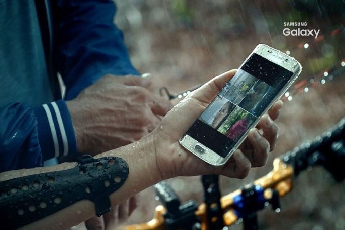 Leaked Galaxy S7 shows off waterproofing and wireless charging