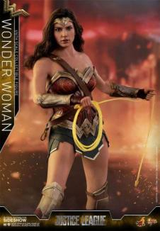 Action Figure di Wonder Woman (2)
