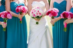 bridesmaids-in-teal-with-pink-bouquets-via-lisadawn-co-uk