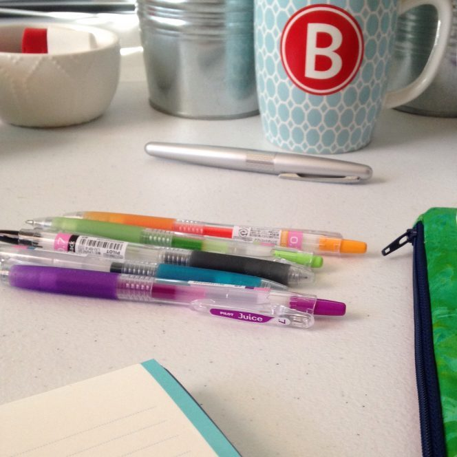 How to Deal With the Feeling Overwhelmed About Organization