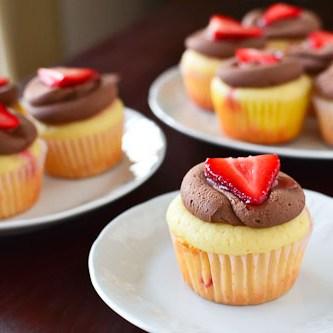 Strawberry Crepe Cupcakes