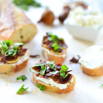 Fig, Bacon, and Honey-Goat Cheese Crostini