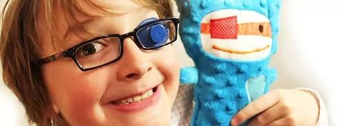sinais_de_que_a_crianca_precisa_usar_oculos--just_real_moms