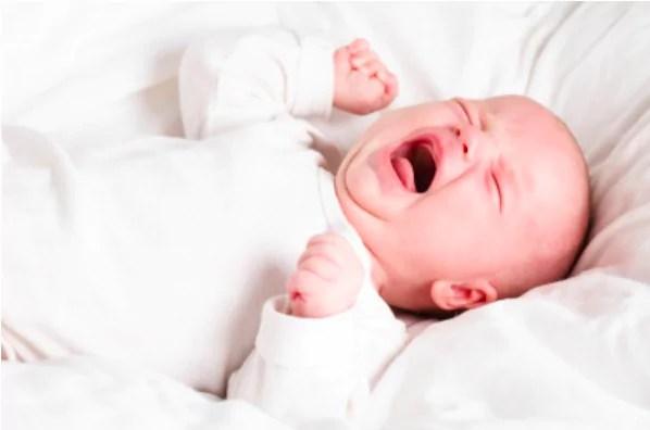 Tem Na Web - 12 motivos pelos quais o bebê chora muito