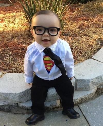 Bebê fantasiado de Super-Homem