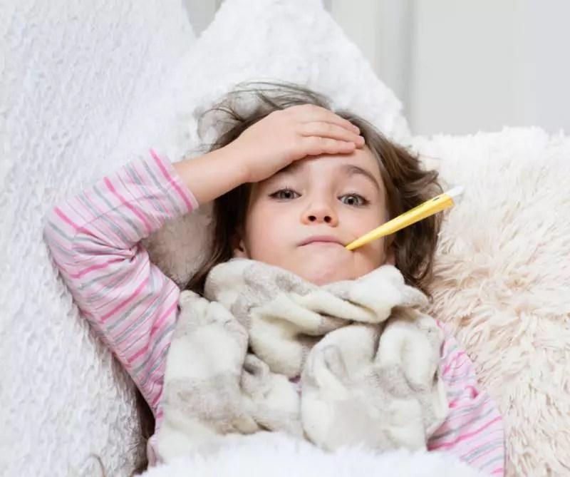 crianca com febre
