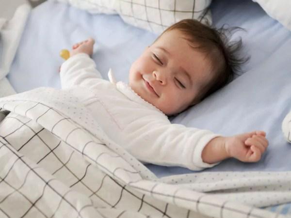 Como acostumar o bebê a dormir sozinho? - por Renata Soifer