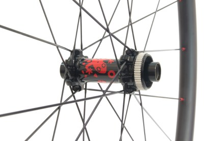 Gecko carbon wheels