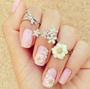cute and trendy rings woman