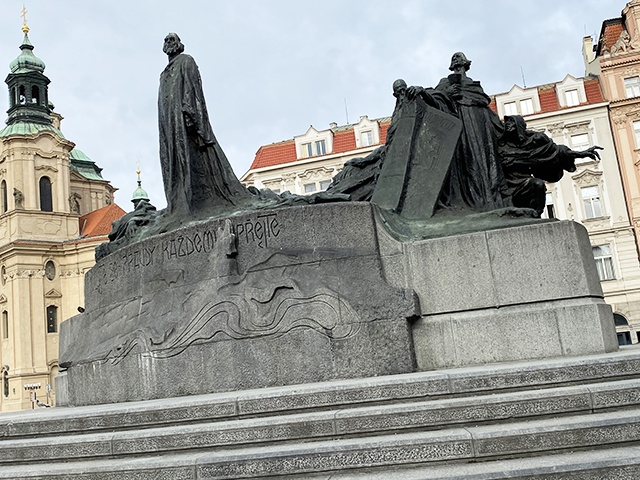 Old Town Square, Jan Hus Monument