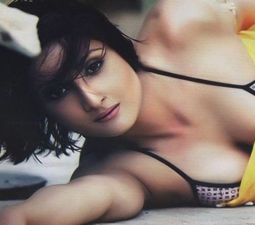 Urvashi Dholakia Photos and Images