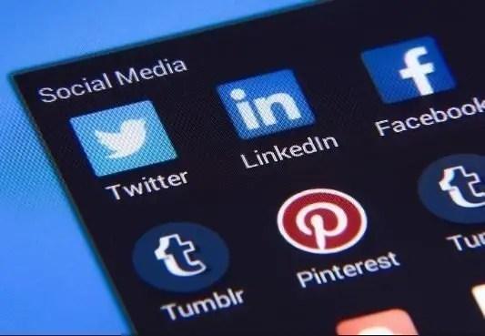social media to build momentum