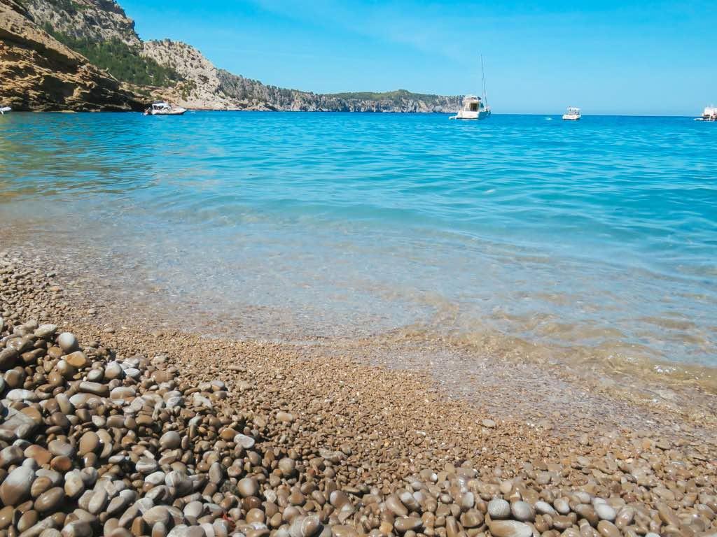 es-coll-baix-playa-de-piedra-mallorca