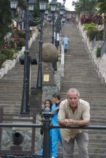onderaan de trappen bij Las Peñas