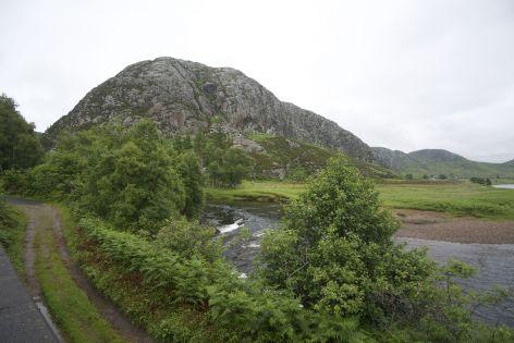 Wat me altijd weer opvalt is dat je bepaalde uitzichten in de meest verschillende omgevingen kan tegenkomen. Een rots in Schotland kan je zo maar vreselijk doen denken aan Madagascar...