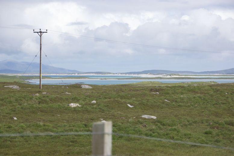 De kleur van zee en strand doet je echt vergeten dat je in Schotland bent.