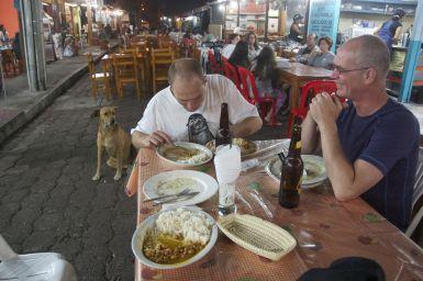 lekker arroz con menestre eten in Puerto Ayora