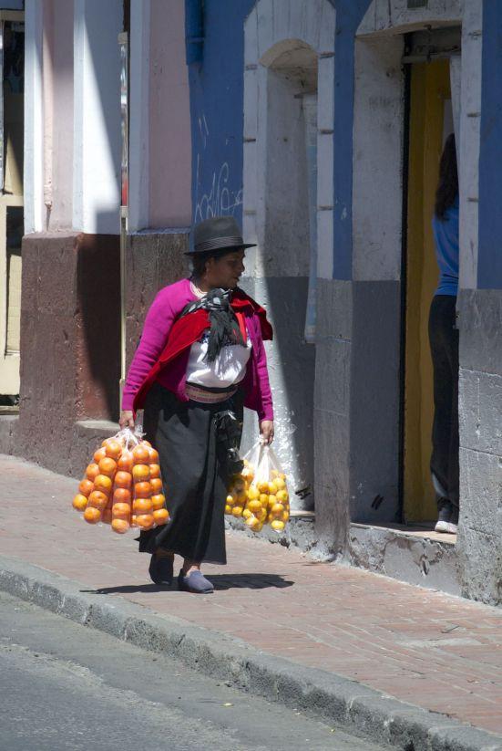 Mandarijnen verkoopster in Quito