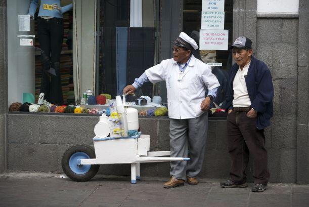 straatverkopers in Quito