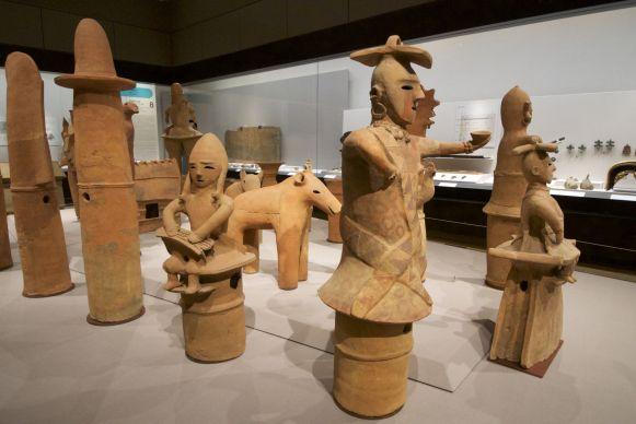 Dit deed ons allebei heel erg denken aan de keramiek uit Ecuador. Toch een heel andere hoek van de wereld.