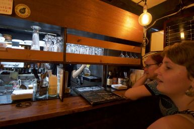 Gezellig klein barretje met heerlijke, betaalbare biertjes.