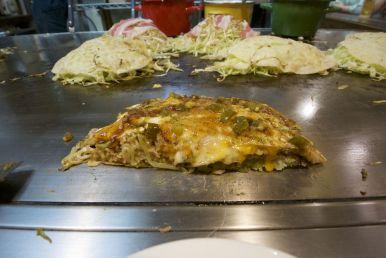 Okonomiyaky met een latin twist: met jalapeño-pepers