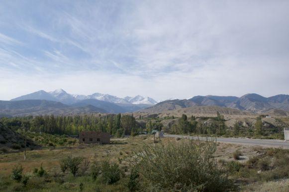 Met een heldere lucht komen de bergen toch mooier tot hun recht dan gisteren met de regen.
