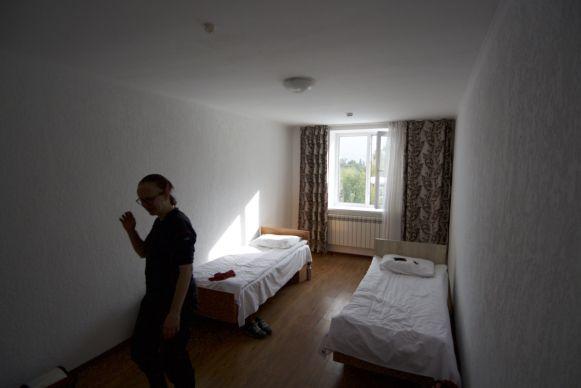 Een zielloze hotelkamer.