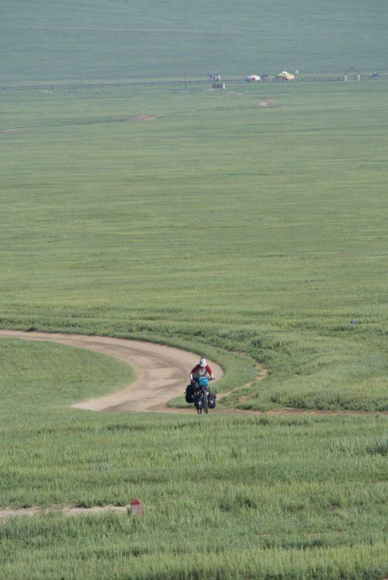 Het ger kamp was toch iets verder van de weg af dan ik dacht... en terug moeten we heuvel op.