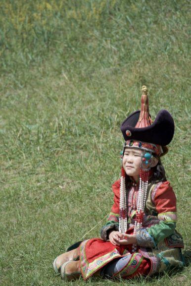 Bij de buitenmuur vind je hele families die traditionele kleding huren om foto's te maken.