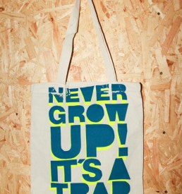 never_grow_up_beutel_neon1