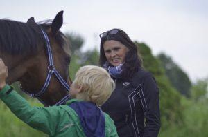 Arbeit mit Pferden und Kindern