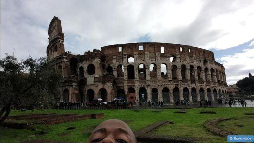 The Roman Colosseum Part Selfie JUUCHINI