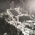 Historisches Foto des Junghans Terassenbaus in Schrammberg