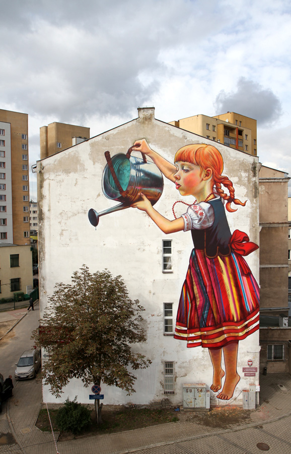 Polish street artist, Natalia Rak, Legend of Giants