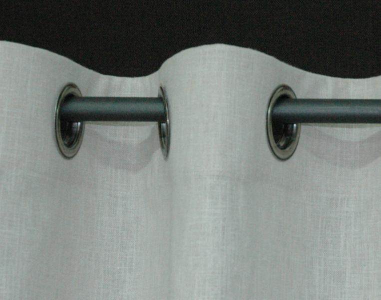 le cable ou la tringle inox de diametre inferieur a 20mm sont une solution tres contemporaine la tension du cable necessite des fixations tres resistantes