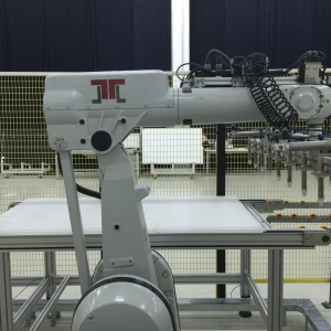 Read more about the article J.v.G. Thoma introduces the Automatic Robot-LayUp 2020