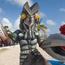 Ultraman does Hawaii (1)-noscale