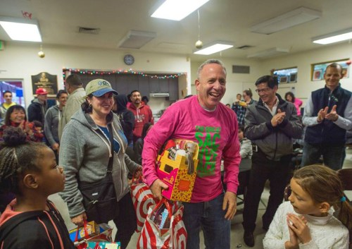 Darrell Steinberg at Sac Gives Back, a weekend of community service and one of his new initiatives as mayor, in December 2016. (Photo/Roderick Cooney Photography)