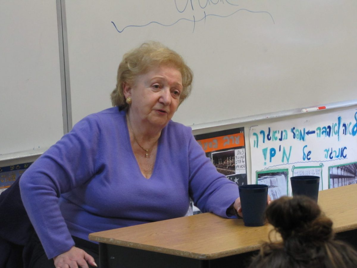 Sonia Orbuch speaking to students at Brandeis Marin about her years as a partisan