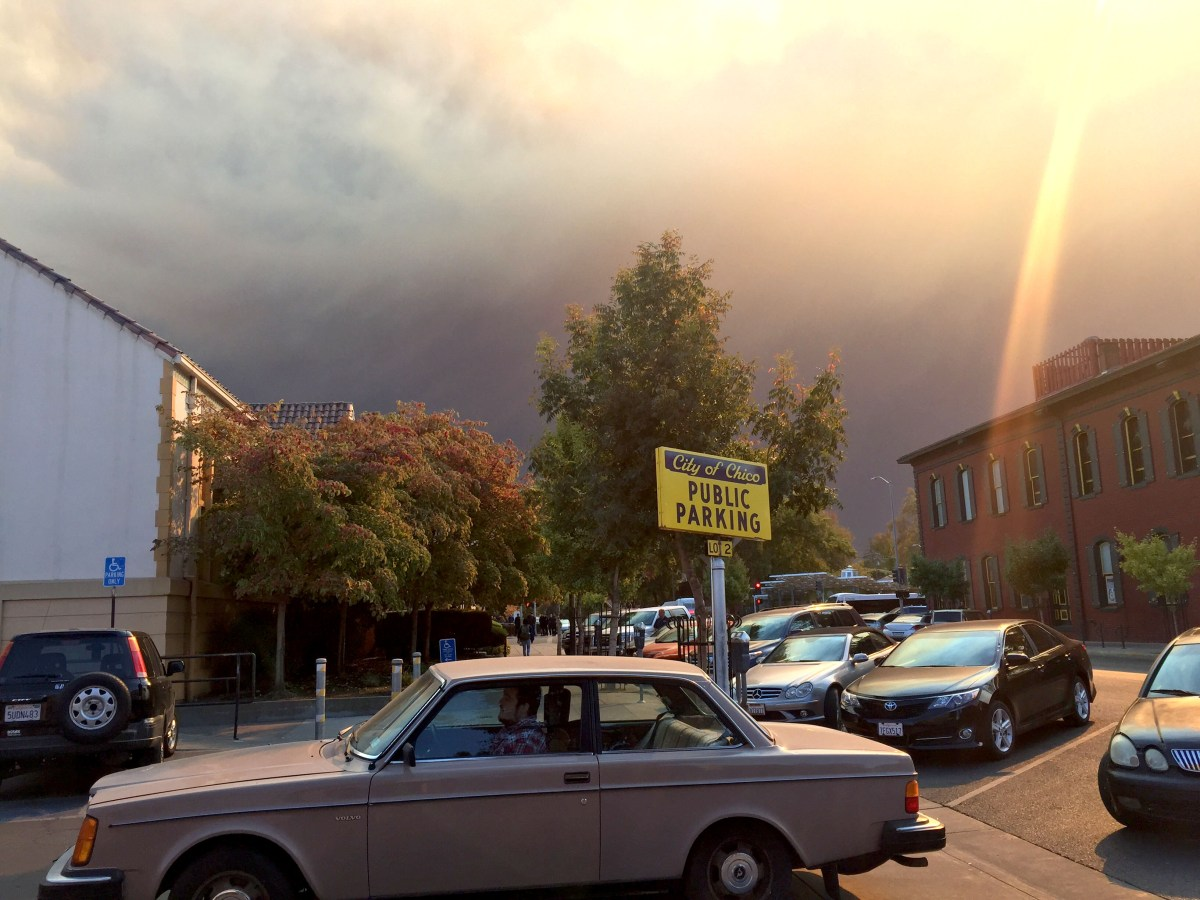 A streak of light appears in the smoke-filled sky over Chico. (Photo/Courtesy Chico Hillel)